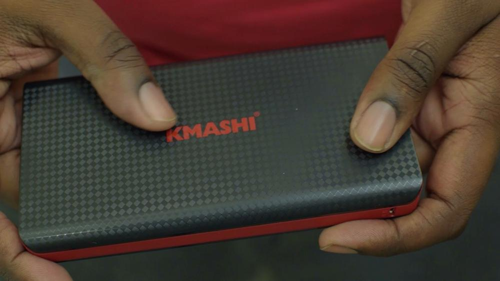 The kmashi mp836 battery in my hands